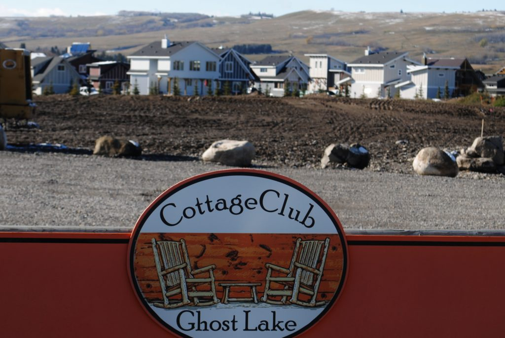 The Cottage Club is located in the edge of the Ghost Lake. Photo: Enrique Massot