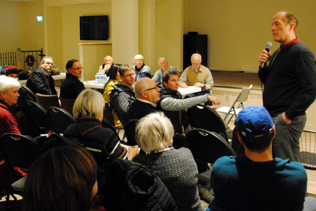 Div. 8 Coun. Eric Lowther speaks at a Jan. 11 residents' meeting. Photo: Enrique Massot